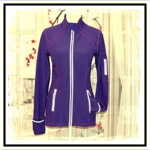 KIRKLAND Jackets & Coats - 💜Amazing KIRKLAND Active Wear Jacket💜